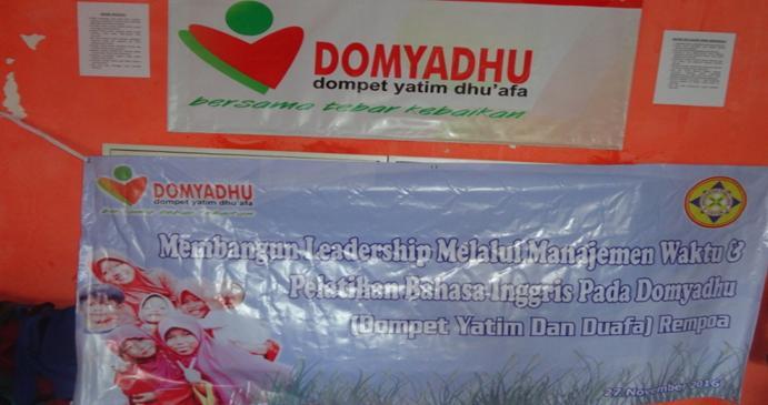 Membangun Leadership Melalui Manajemen Waktu Dan Pelatihan Bahasa Inggris Pada Domyadhu (Dompet Yatim Dan Duafa) Rempoa