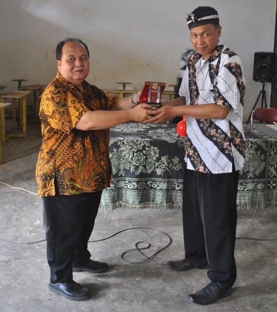 UKM Keramik Plered Apresiasi Pelatihan yang Diberikan Kampus Unpam dan STIE Mutaqien
