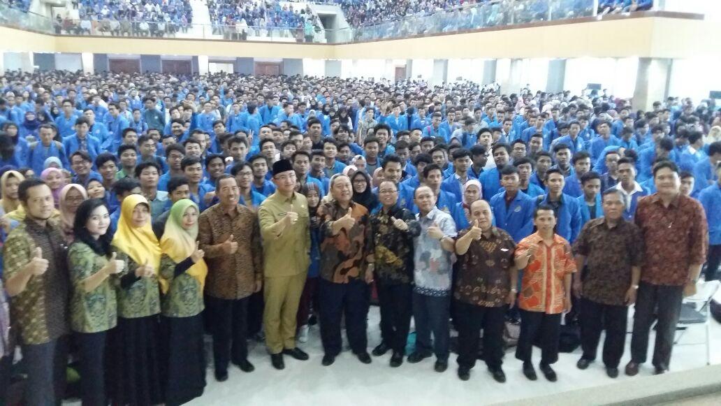 Wagub Banten Beri Pembekalan kepada Mahasiswa Baru Unpam