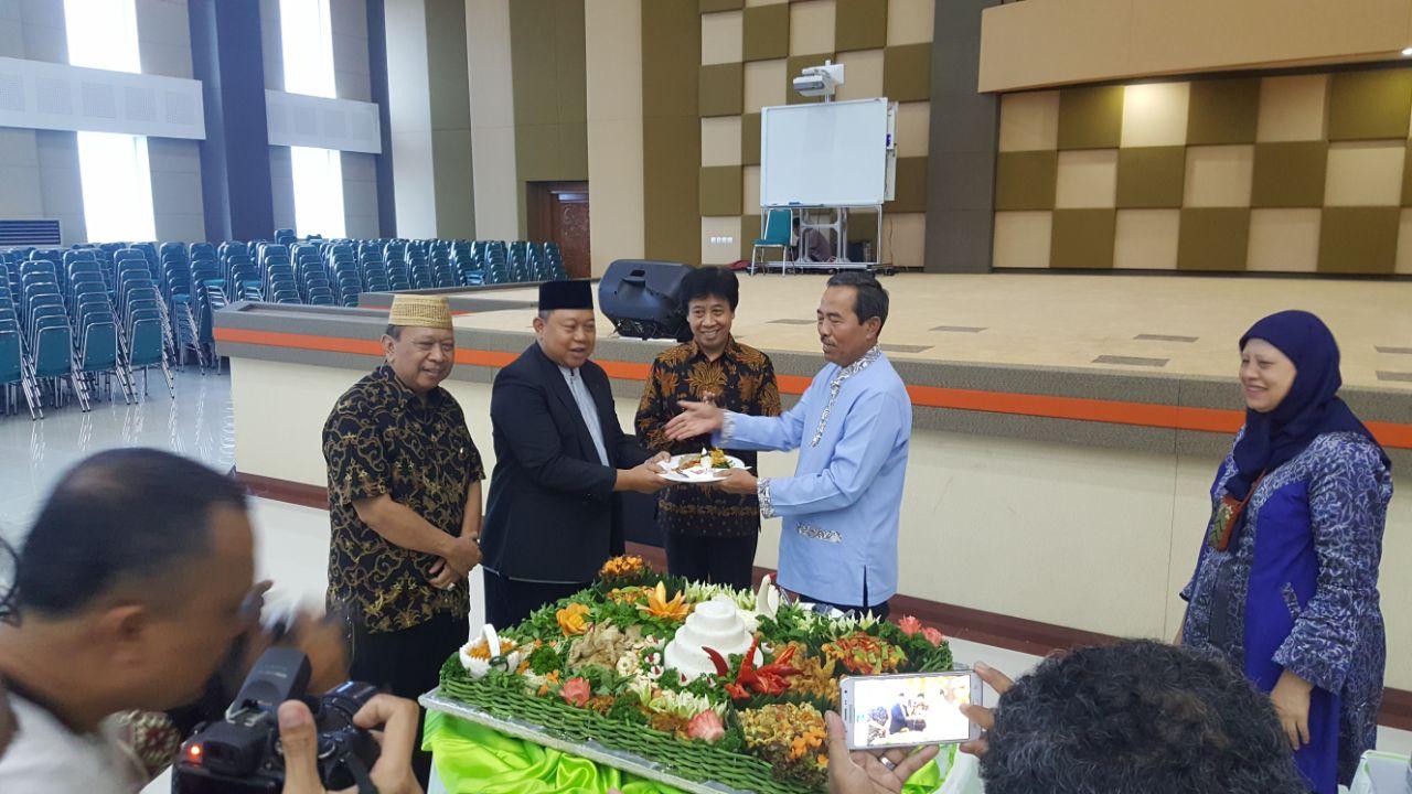 Peresmian Auditorium Unpam,  Koordinator Kopertis Berpesan Rawat Gedung